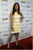 Celebrities with the same accessories//clothes as Victoria Th_42413_eva-longoria-alice-olivia-dress-03_122_1044lo