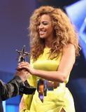 th_38152_Beyonce_BET_Awards_in_LA_July_1_2012_12_122_16lo.jpg