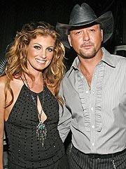 th 11140 faith hill 122 232lo Faith Hills house robbed!