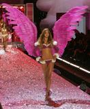 Ana Beatriz Barros - 2005 Victoria's Secret Fashion Show