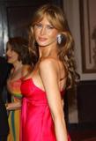 http://img111.imagevenue.com/loc271/th_087_HOLLYWOODSBESTMelania_Trump_20.jpg