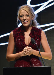 http://img111.imagevenue.com/loc48/th_534737797_blake_lively_03_122_48lo.jpg