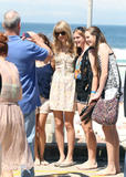 Тайлор Свифт, фото 12231. Taylor Swift Bondi Beach after breakfast at Bill Darlinghurst in Sydney - 08.03.2012, foto 12231