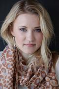 http://img111.imagevenue.com/loc61/th_88029_Emily_Osment_Photo_Session_at_P3R_Publicity_Offices24_122_61lo.jpg