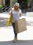 http://img111.imagevenue.com/loc7/th_601647742_Hilary_Duff_shopping_Nike_Town25_122_7lo.jpg