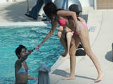 th_74532_miley_cyrus_bikini_tikipeter_celebritycity_009_123_77lo.jpg