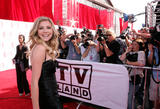 Sarah Chalke shows legs in black dress at 6th Annual TV Land Awards